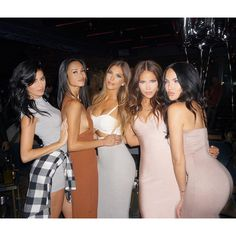 "Olivia Pierson | Blogger on Instagram: ""LOVE these girls! ❤️ #birthdaycelly @justtnic @sharinagutierrez @sophiapierson @nataliehalcro"""