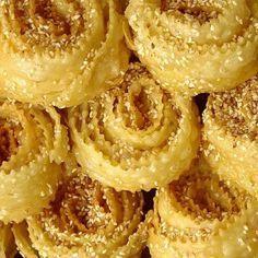 Kserotigana (aka Diples - fritters with honey and nuts) - iCookGreek Greek Sweets, Greek Desserts, Greek Recipes, Desert Recipes, Food Network Recipes, Food Processor Recipes, Cooking Recipes, Sweets Recipes, Beignets
