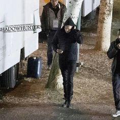 Dom on set. #shadowhunters #shadowhuntersseason3 #shadowhuntersseason3b #jaceherondale #dominicsherwood
