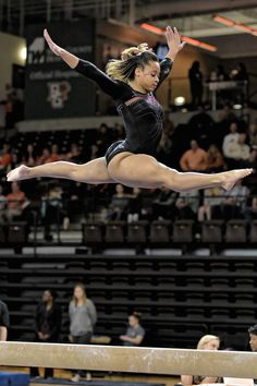 DU Gymnastics at Bowling Green 2016 Meet Gymnastics Photos, Sport Gymnastics, Artistic Gymnastics, Girls Soccer Cleats, Female Gymnast, Physical Fitness, Physical Exercise, Fit Chicks, Sport Girl