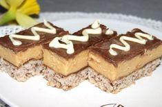 čokoládovo karamelový zákusek