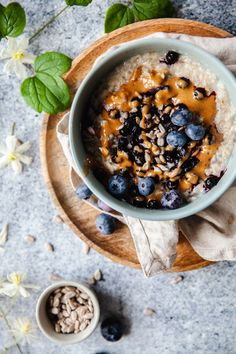 Breakfast Bowls, Morning Food, Sugar And Spice, Healthy Recipes, Healthy Foods, Acai Bowl, A Food, Oatmeal, Spices