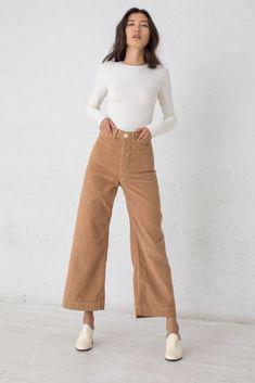 Pants Jesse Kamm Sailor Pant in Palomino 80s Fashion, Look Fashion, Korean Fashion, Fashion Outfits, Womens Fashion, Fashion Tips, Fashion Brands, Fashion Hacks, Classy Fashion