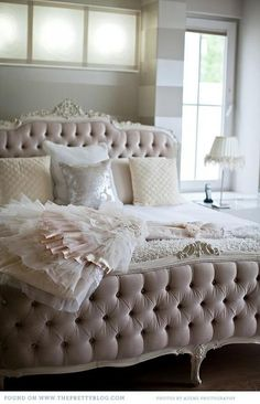 10 Ways to Make your Bed EXTRA Comfy