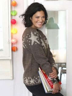 Sweater med stjerner Alter, Diana, Free Pattern, Blouse, Knitting Sweaters, Tops, Women, Style, Patterns