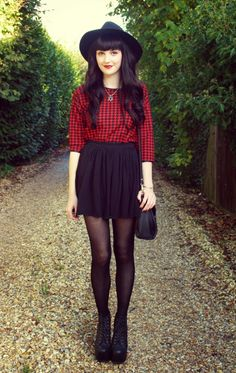 Ideas skirt black tights outfit stockings for 2019 Mode Outfits, Winter Outfits, Fashion Outfits, Womens Fashion, Skirt Outfits, Fashion Ideas, Grunge Fashion, Look Fashion, Autumn Fashion