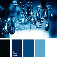 azul oscuro, blanco y azul oscuro, blanco y negro, celeste vivo, celeste y azul oscuro, color azul oscuro en la decoración de interiores, color azul turquí, color azul vaquero oscuro, elección del color, matices de color azul oscuro, paleta de colores monocromática, paleta del color azul oscuro