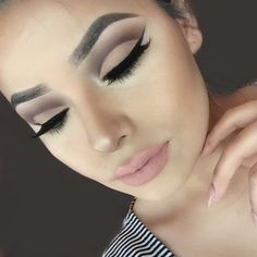 Brown cut crease with nude lip stunning! #eyeshadow #neutral makeup