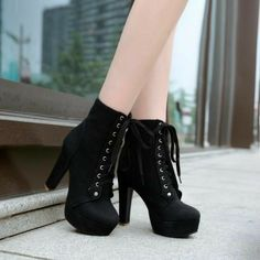 Women's Lace Up Platform Ankle Boots Heels Shoes Autumn and Winter 7728 Fashion women boots for comfort and fit. A general use boot, perfect for everything from shopping to walking the dog. The boots is something which would always be… Continue Reading → Chunky Heel Ankle Boots, Platform Ankle Boots, High Heel Boots, Heeled Boots, Shoe Boots, Boot Heels, Platform Pumps, High Heels Plateau, Aesthetic Shoes