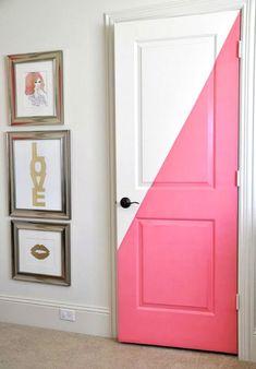 De meeste van ons wonen niet in een Pinterest interieur met prachtige materialen, inrichtingen en kleuren. Velen van ons zijn nog aan de gang met het bereiken van onze interieur…