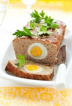 Miss my dad making this meatloaf egg Easy Snacks, Healthy Snacks, Healthy Recipes, Mince Recipes, Cooking Recipes, No Cook Meals, Kids Meals, Fall Dishes, Easter Recipes