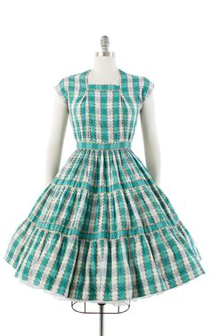 1950s Outfits, Rockabilly Outfits, Vintage Outfits, Rockabilly Clothing, Circle Skirt Dress, Dress Skirt, Summer Dresses With Sleeves, Day Dresses, Prom Dresses