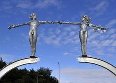 Andy Scott Public Art: bridge One of several commissions for Clackmannanshire Council, this installation at Marywood Roundabout celebrates the opening of the Clackmannanshire Bridge, depicting two figures reaching towards one another across a gap. The sculpture hints at the concept of crossing and meeting and incorporates numerous symbols and metaphors for the area.