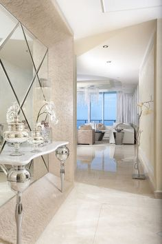 A Miami Penthouse Dazzles With Opulence--Crystal chandeliers, creamy marble and a first-class view give this penthouse in Florida an unmistakable air of luxury