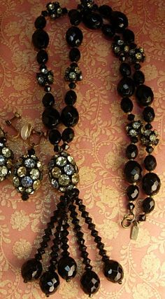 Hattie Carnegie - Collier et Pendants d'Oreilles - Perles Jais Imitation et Strass - Années 40