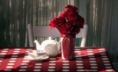 red and light ...combinatia perfecta pentru un ceai :-)