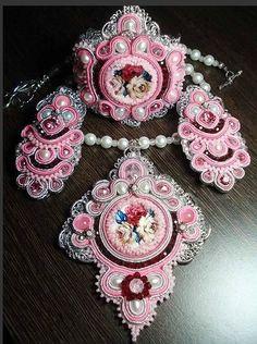 Розовое великолепие (сутаж, мастер-класс)