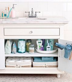 His and Hers Bathroom Cabinet Organization Having trouble organizing shared spaces? Get practical tips and ideas for creating His and Hers Bathroom Cabinet Organization at Bathroom Organization, Bathroom Storage, Organization Hacks, Bathroom Staging, Organized Bathroom, Bathroom Cabinets, Cabinet Storage, Bathroom Ideas, Bathroom Designs