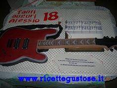 Torta chitarra con spartito