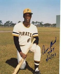 Pirate Pictures, Pirate Photo, Roberto Clemente, Pirates Baseball, Pittsburgh Pirates, Old School, Baseball Cards, Sports, Photograph