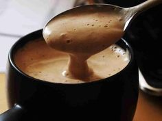 Chocolate quente cremoso - http://www.receitasbrasileiraseportuguesas.com/chocolate-quente-cremoso/