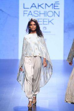 72346010efa  runwayfashion  runway  fashion  indian Indian Party Wear