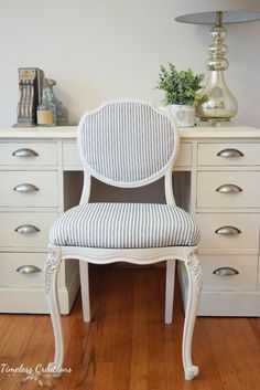 And old dingy chair we found for $5 got completely transformed for Kristen's Sunroom with the help of Fusion Mineral Paint! Large Furniture, Paint Furniture, Furniture Makeover, Refinished Furniture, Upcycled Furniture, Old Picture Frames, Dining Chairs, Dining Table, Dining Set