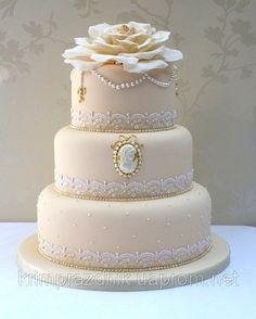Торт на свадьбе в стихах
