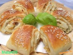Online bazar a rodinný inzertný server Salmon Burgers, Bagel, Hamburger, Snacks, Meals, Chicken, Ethnic Recipes, Diy, Hampers