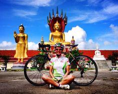 Fermarsi un attimo prima di ripartire con la giusta carica fisica e anche spirituale ;) #bike #meditation in #asia