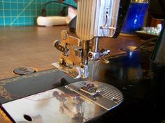Spare Time (For Sewing): Using A Vintage Sewing Machine: The Older ZigZag Attachment