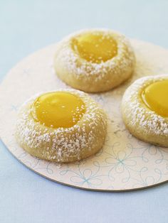 Cookies Whether you make your own lemon curd or use store-bought, these thumbprint cookies are tart and tasty.Whether you make your own lemon curd or use store-bought, these thumbprint cookies are tart and tasty. Lemon Desserts, Lemon Recipes, Just Desserts, Baking Recipes, Dessert Recipes, Recipes Using Lemon Curd, Lemon Curd Dessert, Mothers Day Desserts, Finger Desserts