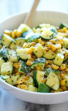 Zucchini and Corn Parmesan Zucchini and Corn - A healthy 10 minute side dish to dress up any meal. It's so simple yet full of flavor!Parmesan Zucchini and Corn - A healthy 10 minute side dish to dress up any meal. It's so simple yet full of flavor! Veggie Side Dishes, Healthy Side Dishes, Vegetable Sides, Side Dish Recipes, Vegetable Recipes, Food Dishes, Dinner Recipes, Healthy Sides, Simple Side Dishes