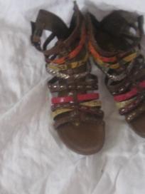 womans shoes\sandels $8.00