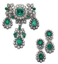 Emerald and diamond demi-parure. Royal Jewelry, Emerald Jewelry, Diamond Jewelry, Fine Jewelry, Victorian Jewelry, Antique Jewelry, Vintage Jewelry, Diamond Brooch, Diamond Earrings