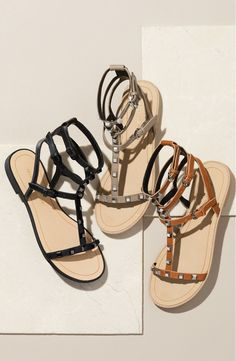 Summer Looks 2018 Ideas Picture Description This classic summer gladiator sandal silhouette gets a dose of modern attitude from Rebecca Minkoff's signature studs. Cute Sandals, Shoes Sandals, Flats, Strappy Sandals, Leather Gladiator Sandals, Studded Leather, Sock Shoes, Rebecca Minkoff, Me Too Shoes