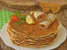 A Delicious Lahmacun Recipe That You Can Easily Make, Without The Worry Of Brewing: Easy Lahmacun, You are in the right place about world cuisine Here we of Meat Recipes, Low Carb Recipes, Cooking Recipes, Minced Meat Recipe, Low Carb Biscuit, Easy, Iftar, Turkish Recipes, International Recipes