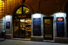 Soul Food  Budapest, VII. Kazinczy u. 32. Nyitva: H - CS: 12:00 - 22:00 P - SZ: 12:00 - 2:00