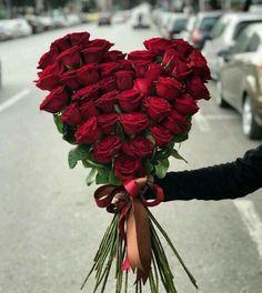 Valentine Flower Arrangements, Funeral Flower Arrangements, Valentines Flowers, Beautiful Flower Arrangements, Funeral Flowers, Floral Arrangements, Amazing Flowers, Beautiful Roses, Beautiful Flowers