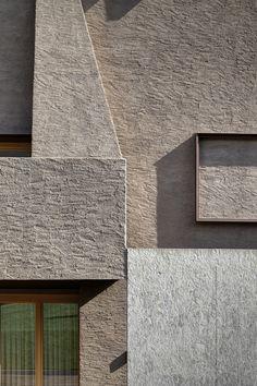 Colico (LC), Italia-casa DBC riconversione di un deposito agricolo in abitazione act _ romegialli