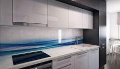 Grafosklo jako zádový podklad za kuchyňskou linkou New Kitchen, Kitchen Ideas, Kitchen Decor, Kitchen Design, Kitchen Backsplash, Kitchen Cabinets, Printed Glass Splashbacks, Modern Houses, Kitchens
