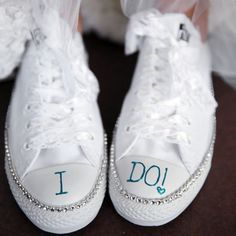 Bridal Sneakers A cute way to stay comfortable while enjoying your wedding! Decorate your white converse with lace and glitter