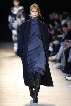 Costume National   Ready-to-Wear - Autumn 2016   Look 17