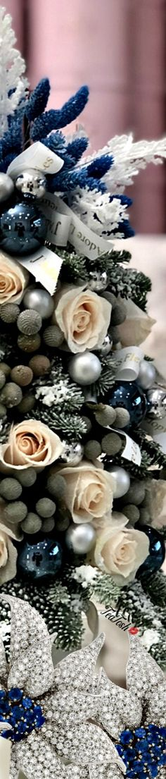 ❈Téa Tosh❈ #Christmas #teatosh 80a Blue Christmas, Merry Christmas, Box Roses, Christmas Settings, Heavenly, Bouquets, Florals, Southern, Magic
