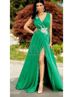 Rochie lunga verde crapata pe picior Antonia