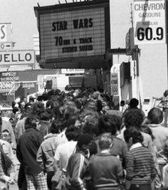 Lining up to see Star Wars at the Coronet Theater in San Francisco. They had the biggest movie screen I'd ever seen! Opening day, Note the price of gas was only 60 cents a gallon. Star Wars Opening, Starwars, Star Trek, Alec Guinness, Change, Scene Photo, Ryan Gosling, The Good Old Days, Far Away