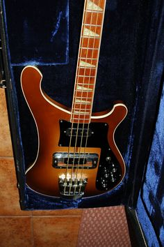 Rare Autumn glow seventies Rickenbacker 4001, lot played beautiful bass...