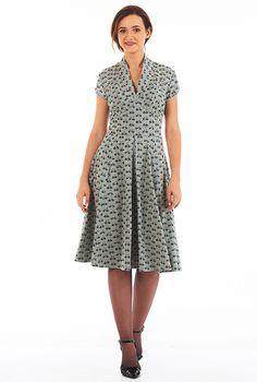 Feminine pleated bicycle print knit dress