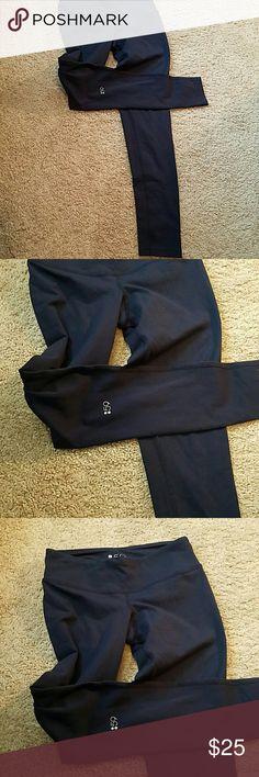 XS Navy Blue leggings size XS by Splits59 XS Navy Blue leggings size XS by 59. 90% supplex and 10% Lycra.  Leggings are in great condition. Splits59  Pants Leggings