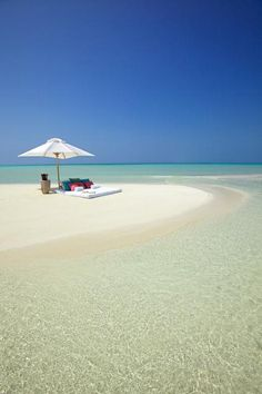 Take me here now! Perfect beach spot in the Maldives.